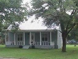 415 N Main St, Rockdale, TX 76567 (#6609510) :: Papasan Real Estate Team @ Keller Williams Realty