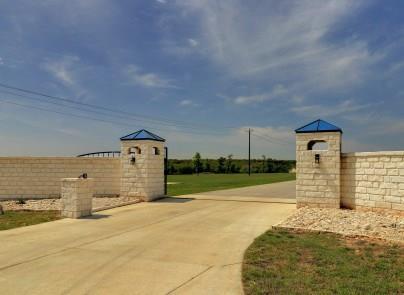 700 Stubblefield Ln, Liberty Hill, TX 78642 (#6624601) :: The ZinaSells Group