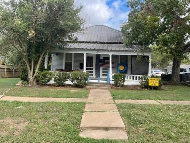 228 W Bell Ave, Rockdale, TX 76567 (#6630945) :: ORO Realty