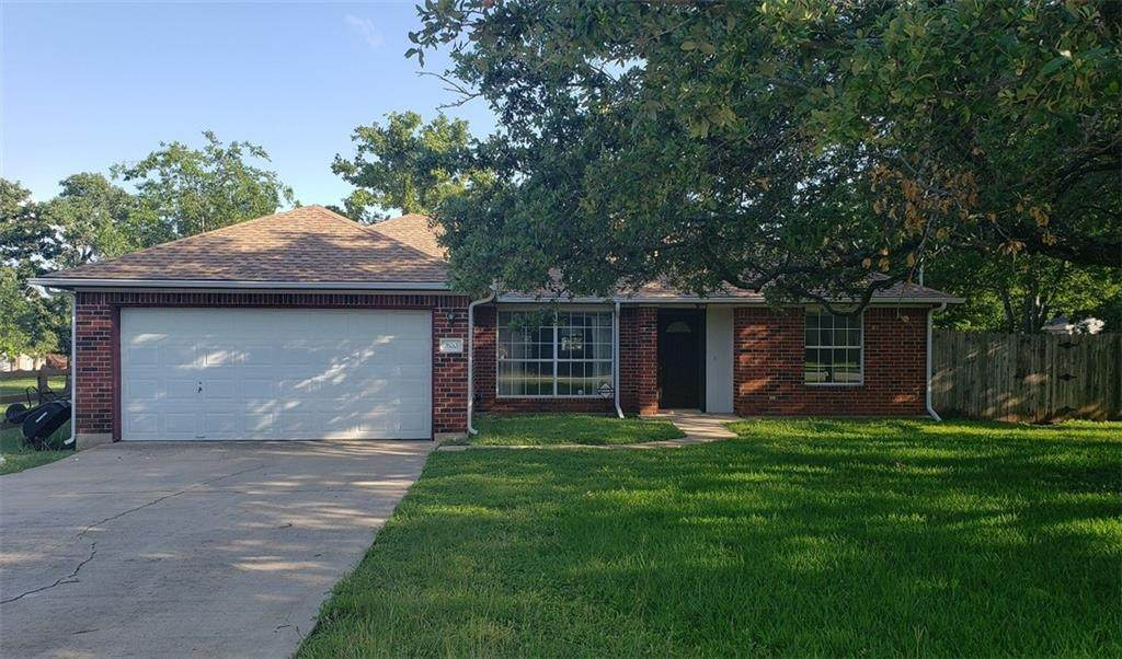 800 Lone Star Dr - Photo 1