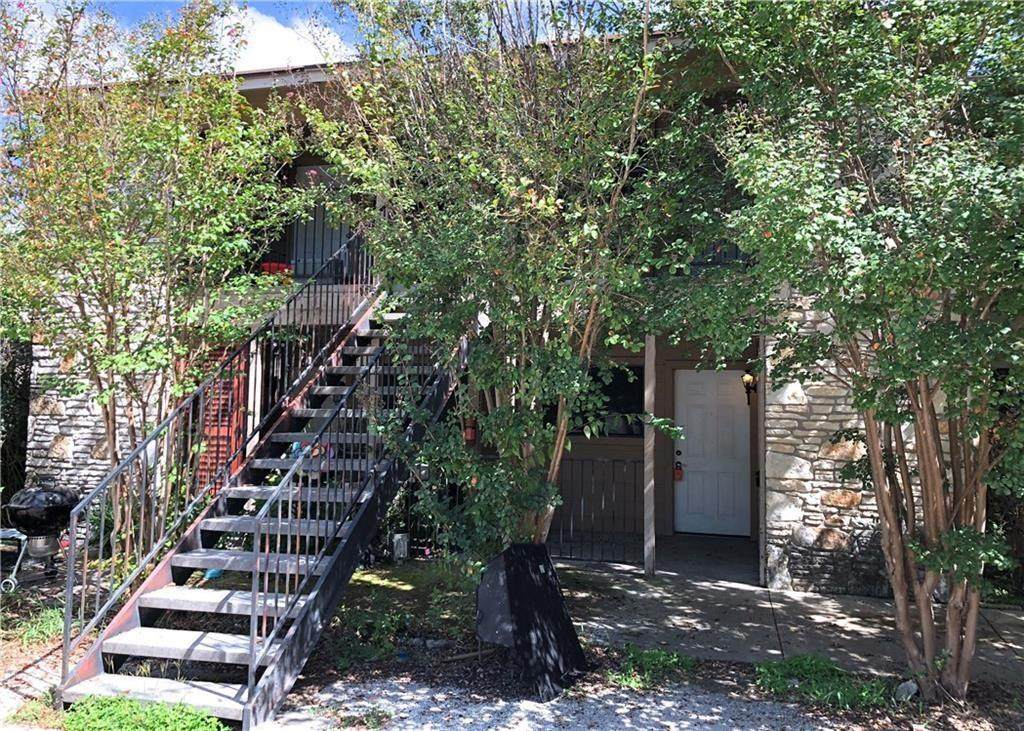 7001 Oak Meadow Cir - Photo 1