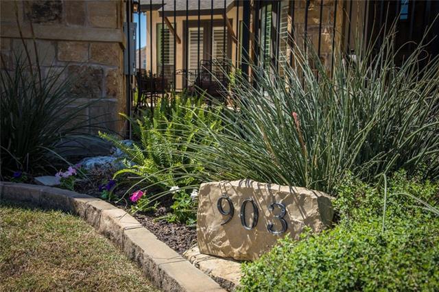903 Gruene Spg, New Braunfels, TX 78130 (#6759322) :: Forte Properties