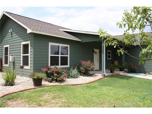 5108 Columbia Way, Kingsland, TX 78639 (#6805627) :: Papasan Real Estate Team @ Keller Williams Realty
