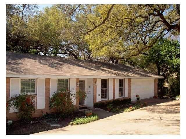 817 E 38th St, Austin, TX 78705 (#6883765) :: The Perry Henderson Group at Berkshire Hathaway Texas Realty