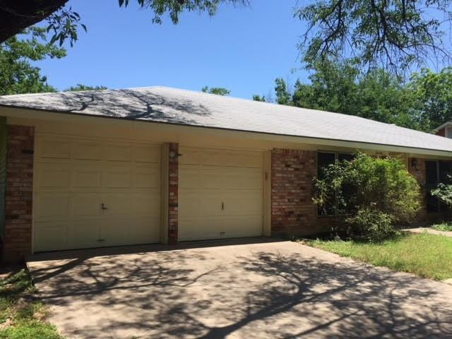 2608 Pinewood, Austin, TX 78757 (#6937569) :: The Perry Henderson Group at Berkshire Hathaway Texas Realty