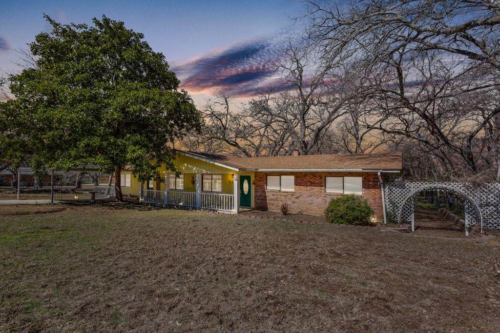 118 Chapparral Dr - Photo 1
