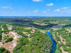 400 Red Hawk Rd, Wimberley, TX 78676 (#7403792) :: The Perry Henderson Group at Berkshire Hathaway Texas Realty