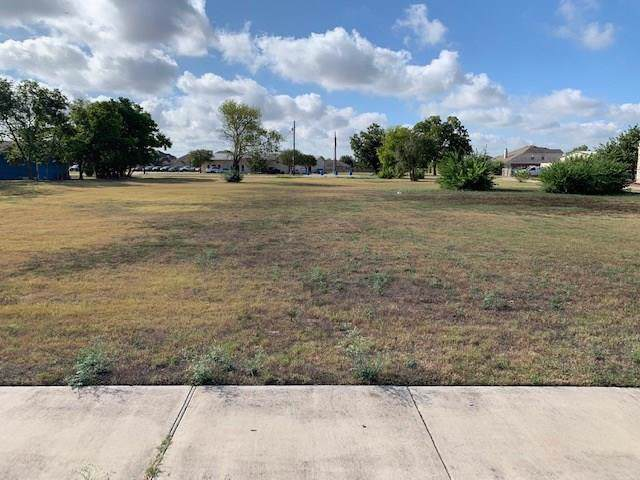 208 W Austin Ave, Hutto, TX 78634 (#7452926) :: The Perry Henderson Group at Berkshire Hathaway Texas Realty