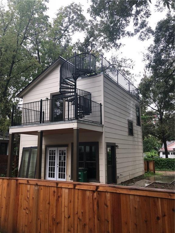 2617 Willow St #2, Austin, TX 78702 (#7609492) :: Watters International