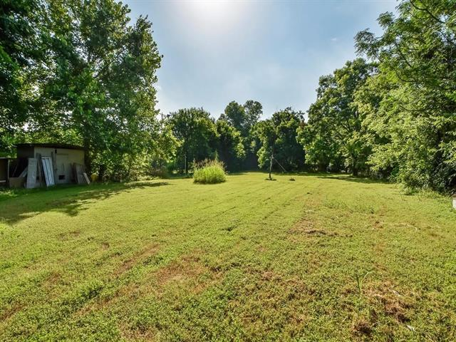 1125 Tillery St, Austin, TX 78702 (#7756718) :: The ZinaSells Group