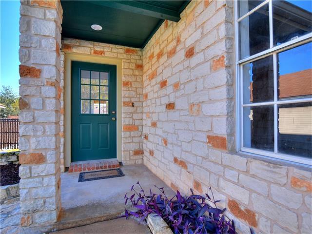 1405 E Logan St, Round Rock, TX 78664 (#7804424) :: RE/MAX Capital City
