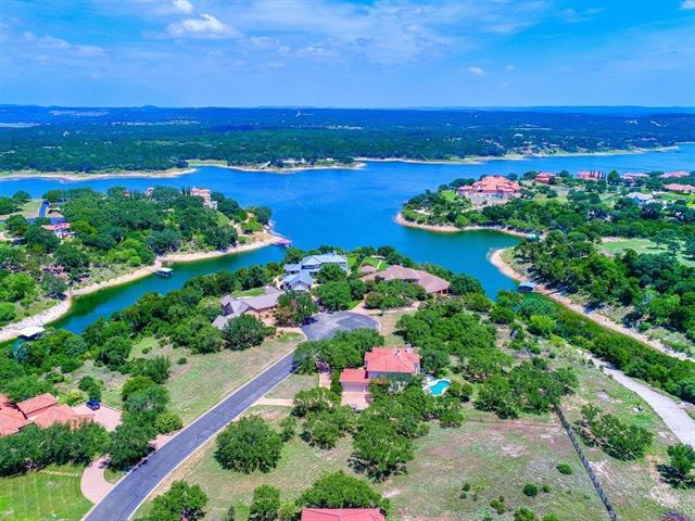 26011 Masters Pkwy, Spicewood, TX 78669 (#7934665) :: The ZinaSells Group