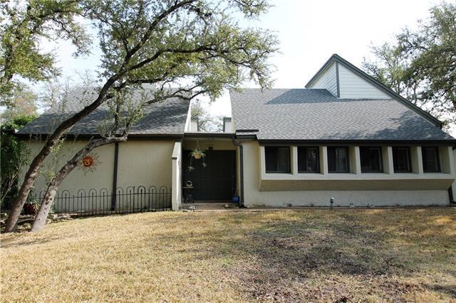 38 Casa Verde, Lakeway, TX 78734 (#7977785) :: Watters International