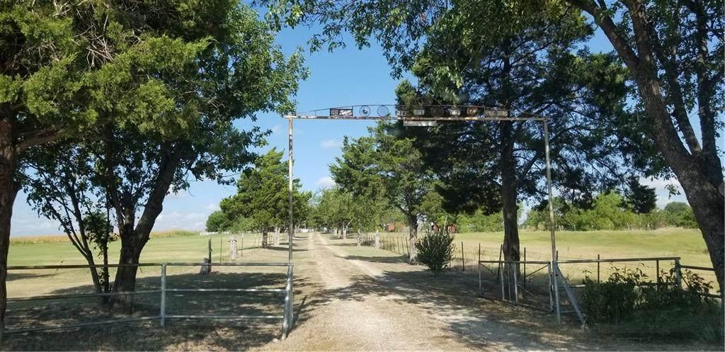 2601 County Road 425 - Photo 1
