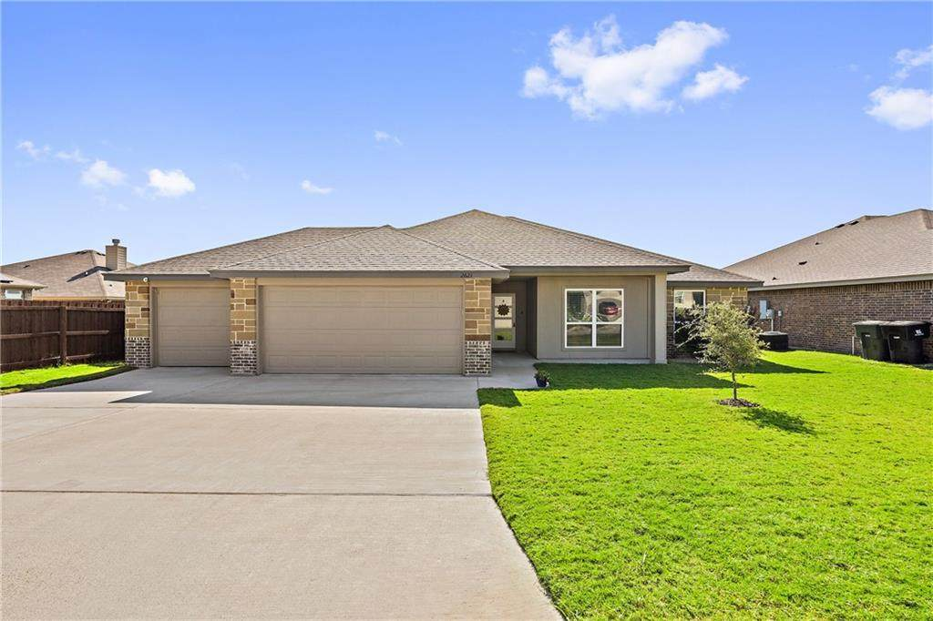 2621 Fossil Creek Dr - Photo 1