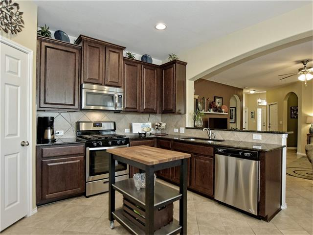 565 Eagle Brook Ln, Buda, TX 78610 (#8021667) :: Austin International Group LLC