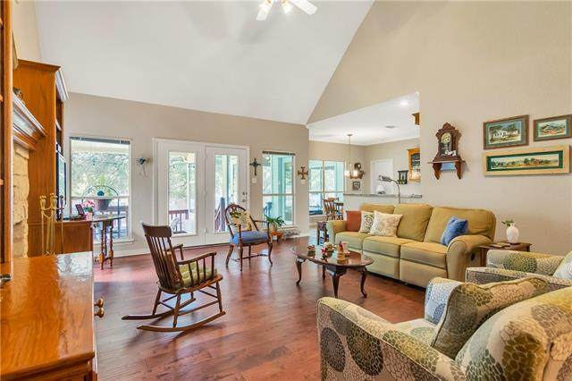102 Susana Ct, Georgetown, TX 78628 (#8146631) :: Homes By Lainie Real Estate Group