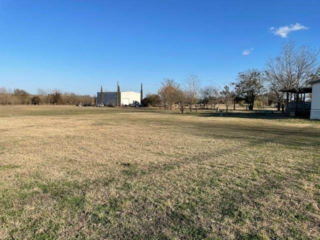 209 S Love Ave, Florence, TX 76527 (#8246905) :: Green City Realty