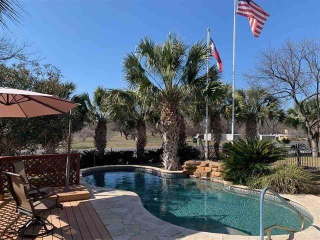 200 Wood Hill, Horseshoe Bay, TX 78657 (#8248217) :: Papasan Real Estate Team @ Keller Williams Realty