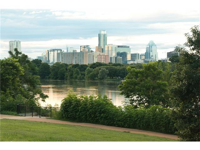 1201 Town Creek Dr, Austin, TX 78741 (#8310832) :: Magnolia Realty