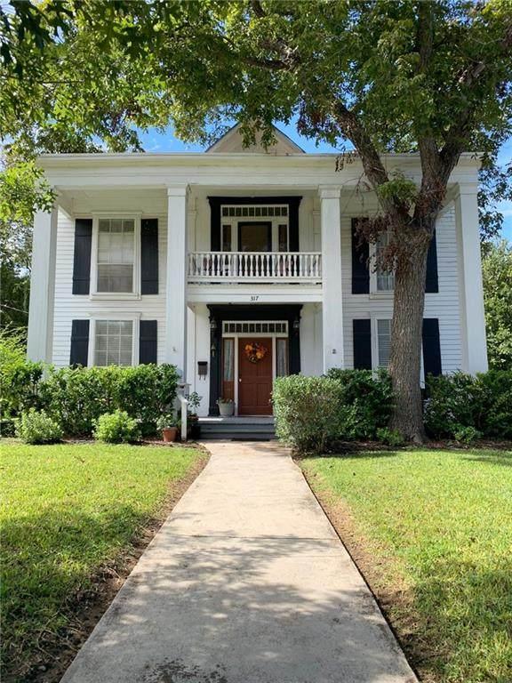 317 Cibilo St, Lockhart, TX 78644 (#8363103) :: Papasan Real Estate Team @ Keller Williams Realty