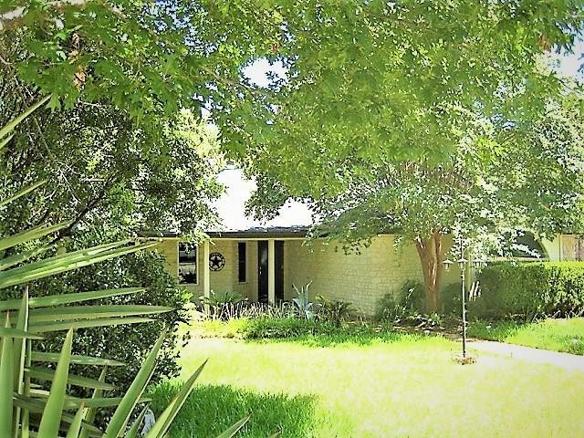 105 Copperleaf Rd, Lakeway, TX 78734 (#8364053) :: Ben Kinney Real Estate Team