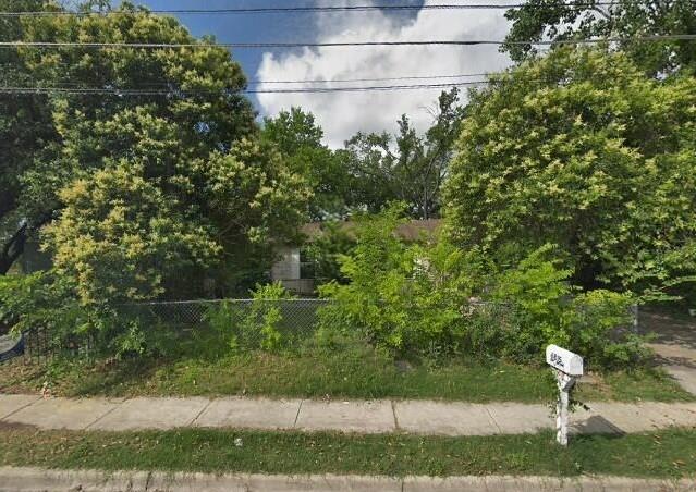 6815 Montana St, Austin, TX 78741 (#8431717) :: Ana Luxury Homes