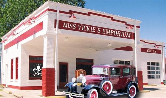 102 NE Loop 230 Ave, Smithville, TX 78957 (#8462366) :: Forte Properties