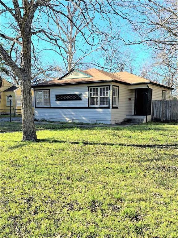 805 Maple St, Lockhart, TX 78644 (#8476990) :: Zina & Co. Real Estate