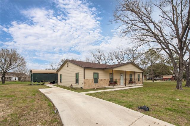 1131 E Fannin St, Luling, TX 78648 (#8656299) :: Austin Portfolio Real Estate - Keller Williams Luxury Homes - The Bucher Group