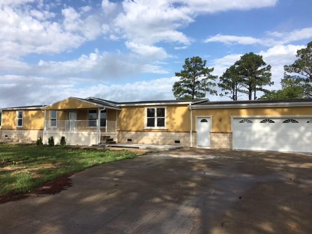 118 Alum Crk E, Smithville, TX 78957 (#8745541) :: Kevin White Group