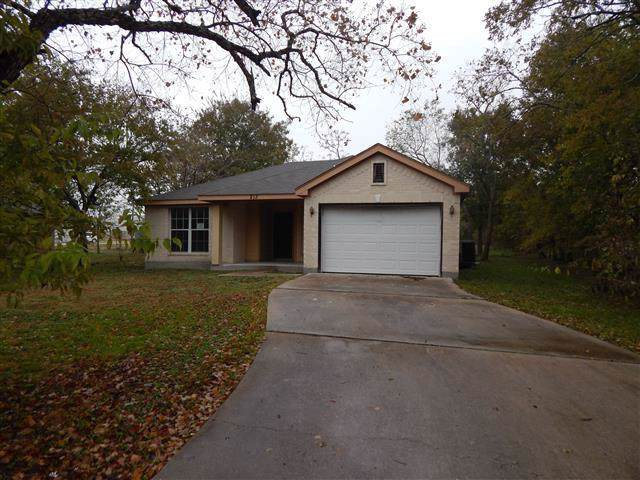 213 E 3rd St, Rockdale, TX 76567 (#8889246) :: Papasan Real Estate Team @ Keller Williams Realty