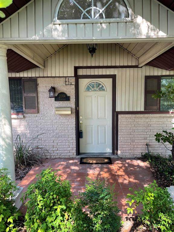 2004 Teakwood Dr, Austin, TX 78757 (#8893210) :: The Perry Henderson Group at Berkshire Hathaway Texas Realty