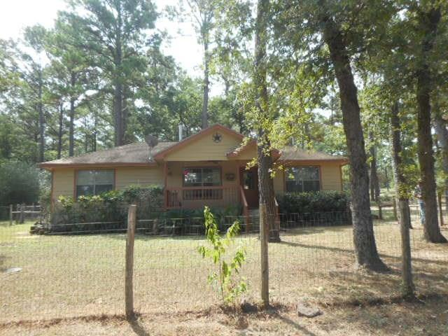 113 Century Ln, Bastrop, TX 78602 (#9031032) :: The ZinaSells Group