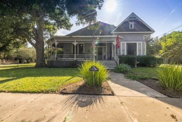 205 Saint James St, Gonzales, TX 78629 (#9229933) :: Sunburst Realty