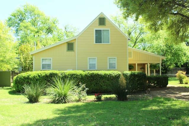 207 N Acorn St, Fredericksburg, TX 78624 (#9267649) :: Forte Properties