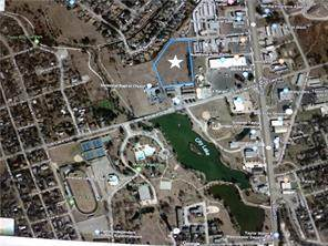 000 Commercial Dr, Taylor, TX 76574 (#9350715) :: 12 Points Group