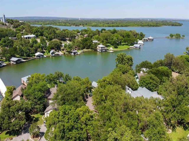 102 Blue Waters Dr C, Horseshoe Bay, TX 78657 (#9379064) :: The Perry Henderson Group at Berkshire Hathaway Texas Realty