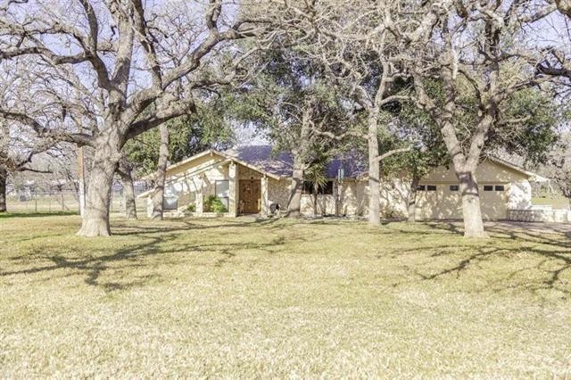 109 Sunset Cir, Burnet, TX 78611 (#9492335) :: KW United Group