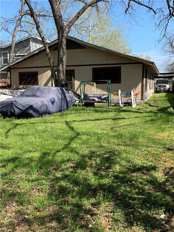1118 3/4 Gunter St, Austin, TX 78702 (#9639930) :: Watters International