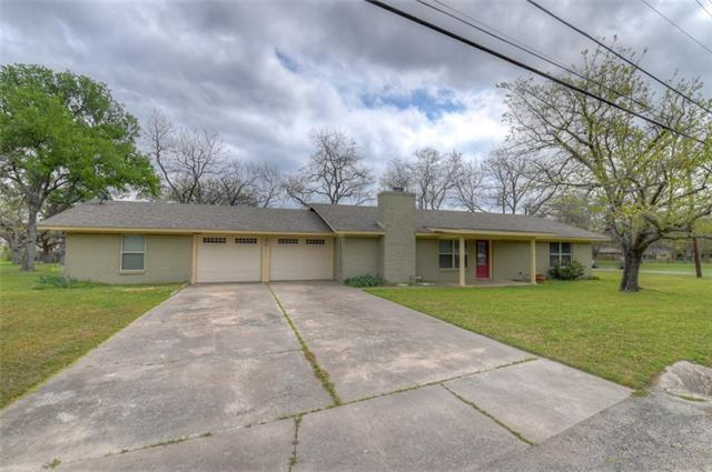 1013 Highland Dr, Highland Haven, TX 78654 (#9704361) :: NewHomePrograms.com LLC