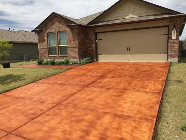 2577 E Lonesome Creek Trl E, New Braunfels, TX 78130 (#9721817) :: The ZinaSells Group