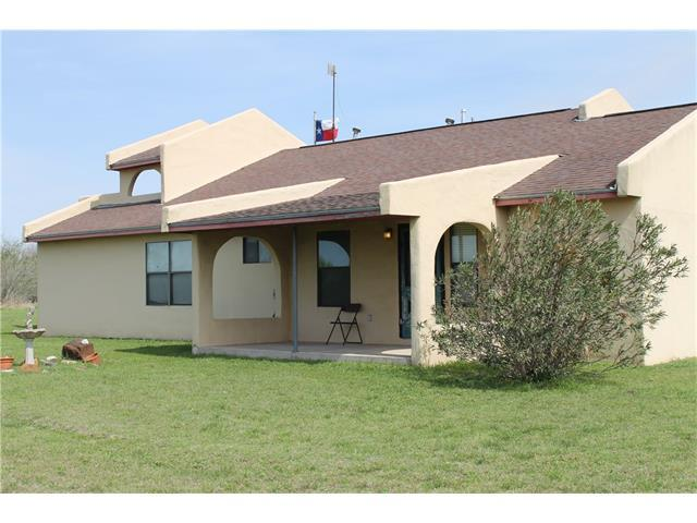 331 Greasy Bnd, Smithville, TX 78957 (#9905952) :: Kevin White Group
