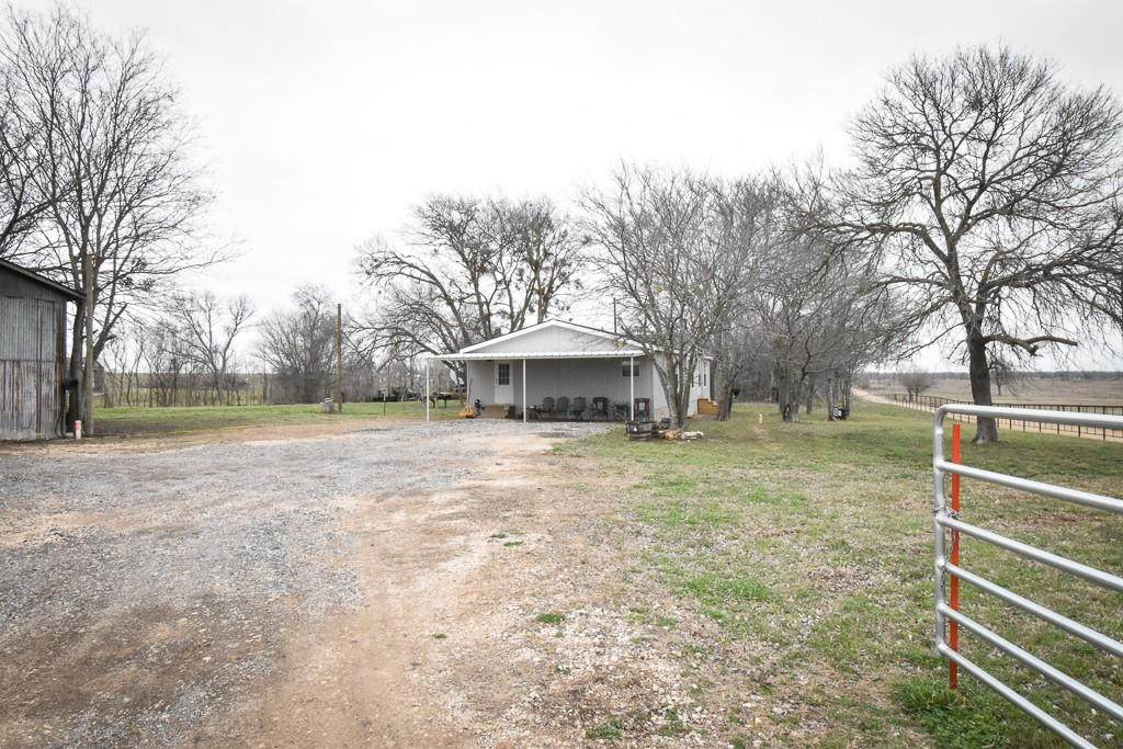 4028 County Road 429 Rd - Photo 1