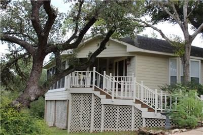 543 - A Counry Club Dr, La Grange, TX 78945 (#9966850) :: Realty Executives - Town & Country