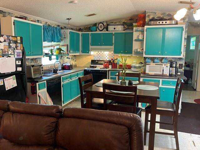 425 Oakview Rd, Luling, TX 78648 (#9980904) :: Papasan Real Estate Team @ Keller Williams Realty