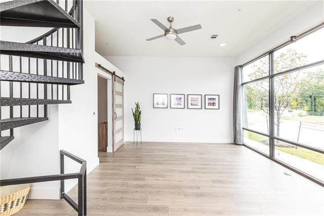 2213 Poquito St #106, Austin, TX 78722 (#2572497) :: The Perry Henderson Group at Berkshire Hathaway Texas Realty