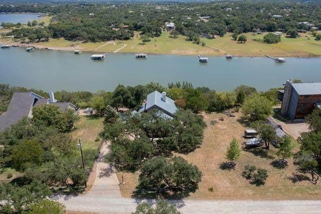 533 Nomad Dr, Spicewood, TX 78669 (#2743693) :: Papasan Real Estate Team @ Keller Williams Realty