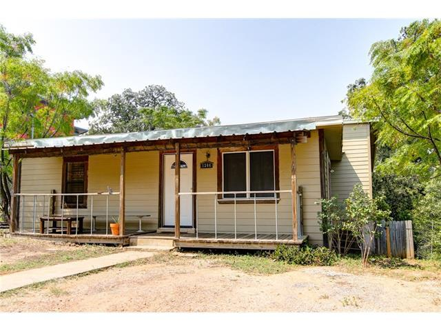 1304 Singleton Ave, Austin, TX 78702 (#2852873) :: Kevin White Group