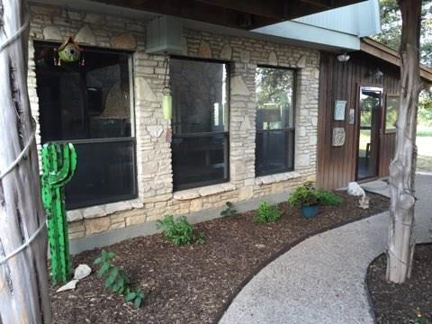 501 Wimberley Oaks Dr, Wimberley, TX 78676 (#3091857) :: Watters International